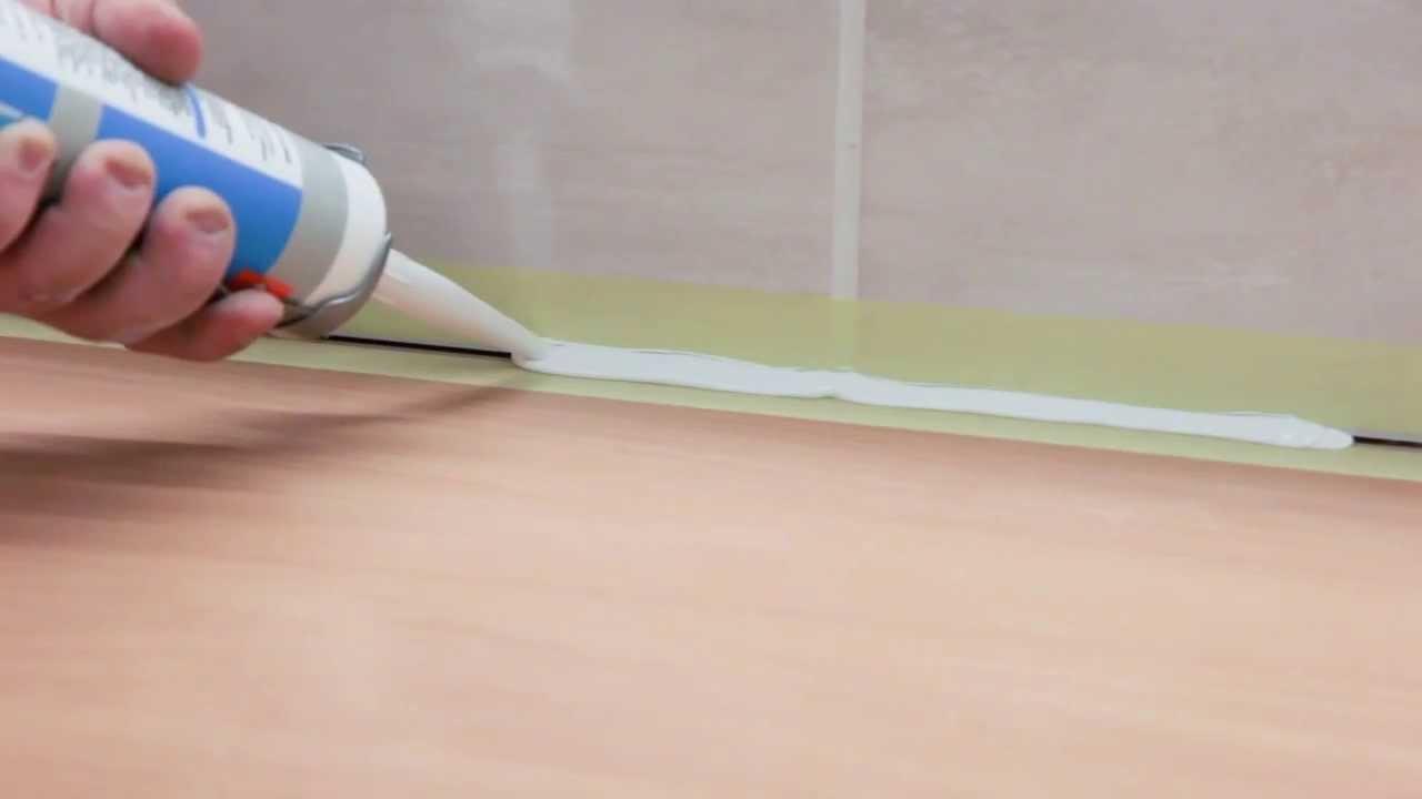 comment mettre du silicone autour d'une fenetre