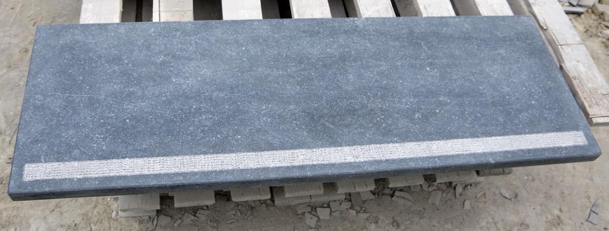 appui de fenetre pierre bleue